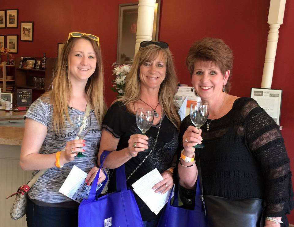 May 12, 2018: Winterset Wine Walk<br>4pm to 7pm
